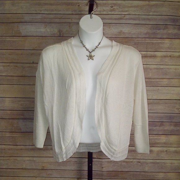 IVORY CROCHET OPEN SHRUG = SIZE 2X